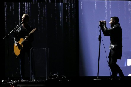 Lindsey Buckingham And Trent Reznor Perform At Grammys