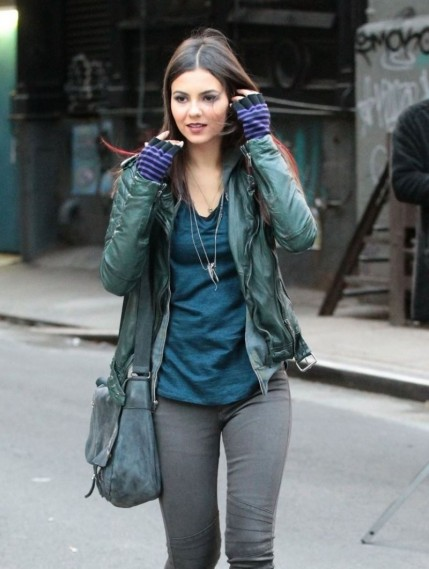 Victoria Justice On The Set Of Eye Candy In Nyc Bikini