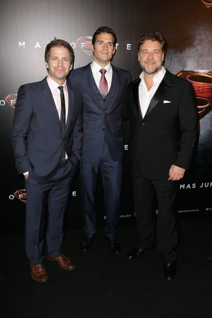 Zack Snyder Henry Cavill Russell Crowe Brought Superman Down Man Of Steel