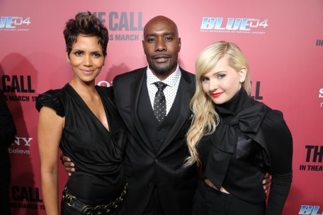 The Call La Premiere Halle Berry Morris Chestnut And Abigail Breslin And Spencer Breslin