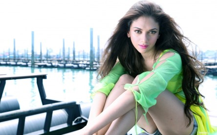 Aditi Rao Hydari Hd Wallpapers Sexy