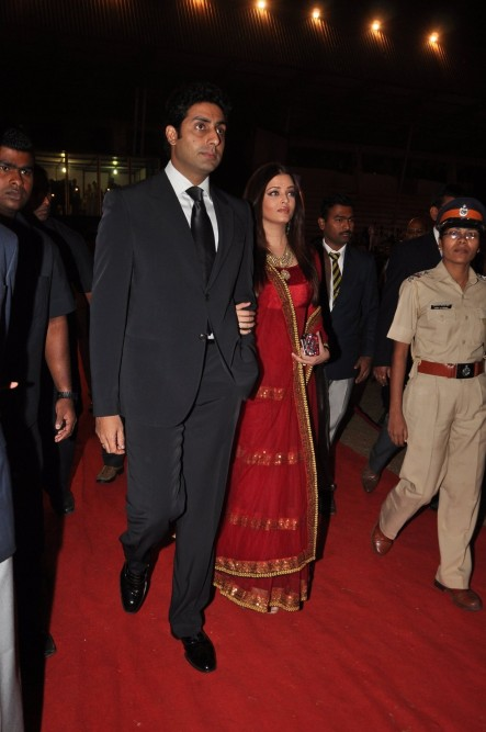 Vsqr Hw Rrd Abhishek Bachchan With Aishwarya Rai Bachchan At Mumbai Police Entertainment Show Umang At Andheri Sports Complex In Mumbai