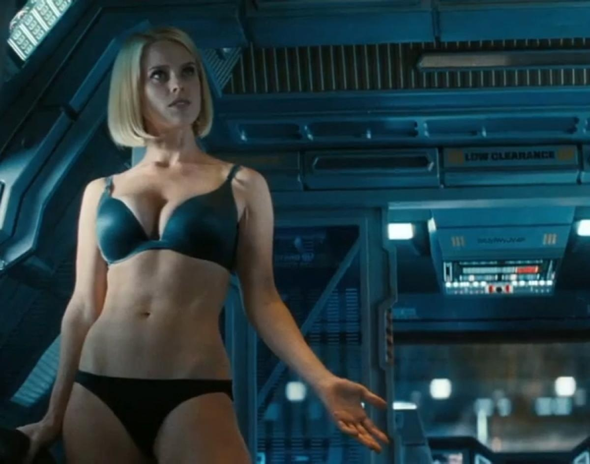 Alice Eve Star Trek