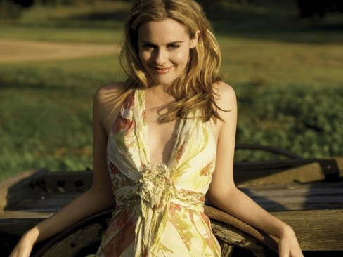 Alicia Silverstone Download Hd Wallpaper