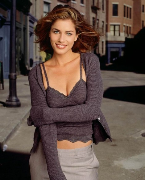 Amanda Peet Body Measurements Body