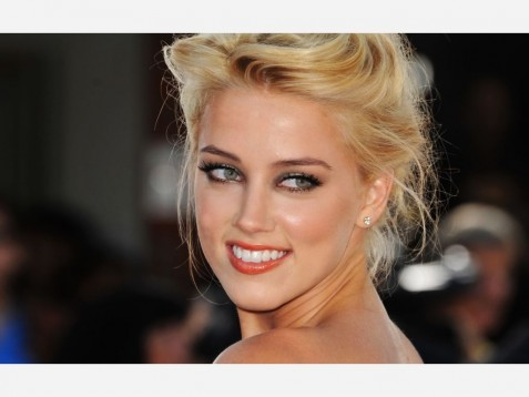 Amber Heard Smile Never Back Down