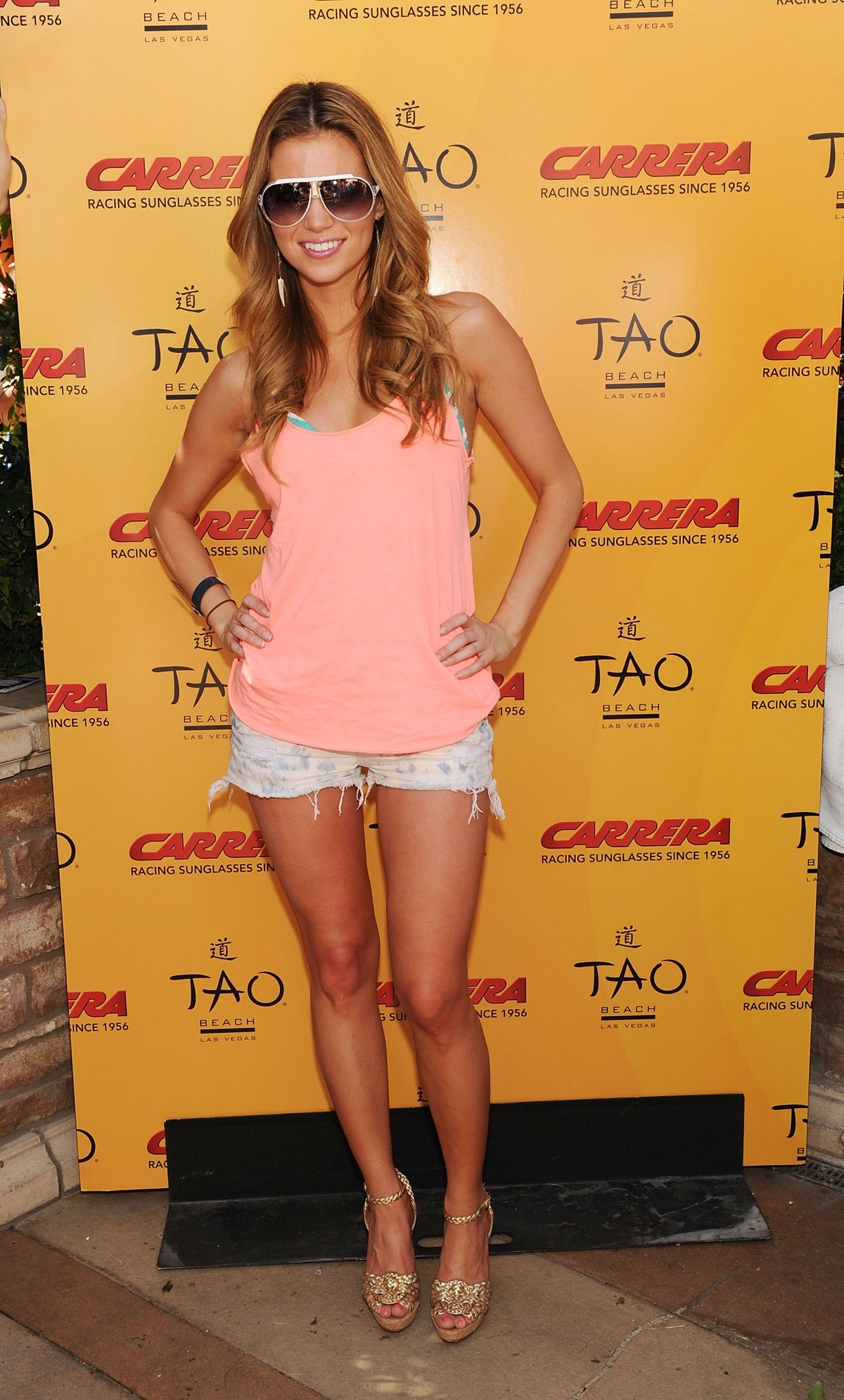 Amber Lancaster In Bikini Top At Carrera Escape Party At Tao Beach In Las Vegas Bikini