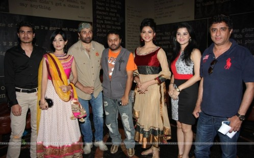 Urvashi Rautela Sunny Deol Amrita Rao And Anjali Abrol At The First Lo Amrita Singh