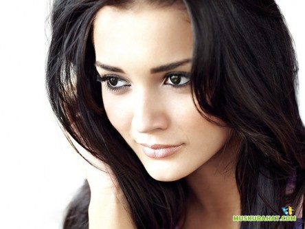 Amy Jackson Closeup Wallpaper Wallpaper