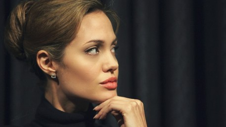 Angelina Jolie Hd Wallpapers Download Wallpaper