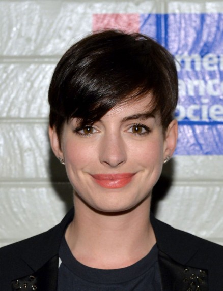 Anne Hathaway Hollywood Stands Up To Cancer Event