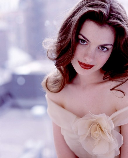Anne Hathaway Photos And Wallpapers