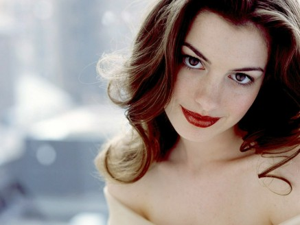 Beautiful Anne Hathaway Wallpaper