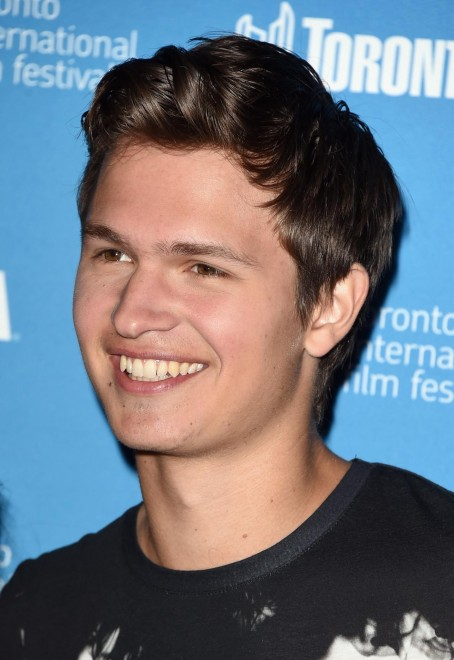 Ansel Elgort At Event Of Men Women Children Large Picture