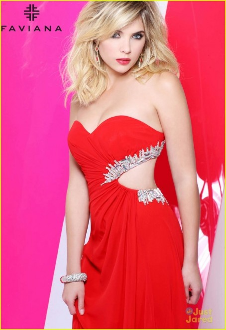Ashley Benson Faviana Fashion Tips Fashion