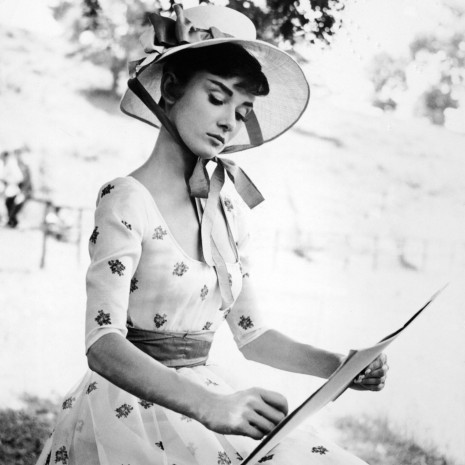 Audrey Hepburn Painting Ipad Desktop Wallpaper Wallpaper