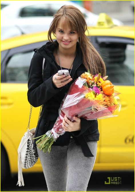 Brenda Song Debby Ryan Sprouse Vancouver And Dylan Sprouse