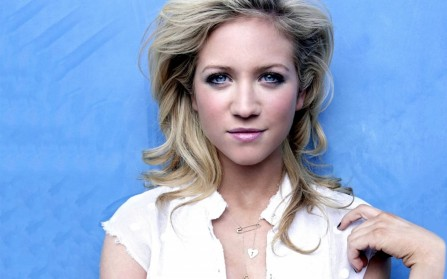 Brittany Snow Hd Wallpaper