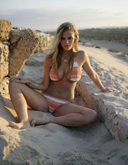 Brooklyn Decker Hot Girl Sand Hot