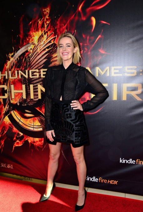 Jena Malone The Hunger Games Catching Fire Movie Mall Tour In Philadelphia