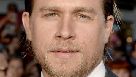 Charlie Hunnam Niet Langer In Film Fifty Shades Of Grey Films