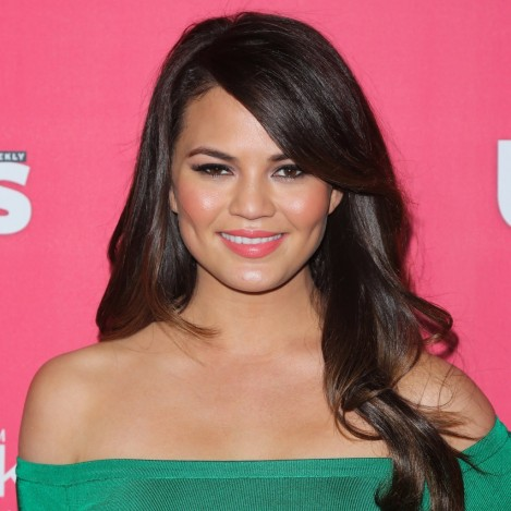 Chrissy Teigen Skin Care Tips Hair