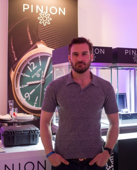 Clive Standen Vikings Salonqp