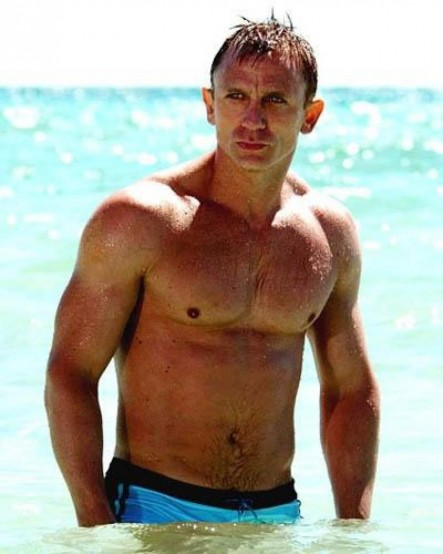 Daniel Craig Shared Picture Unknown