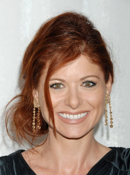 Debra Messing Full Photo Set
