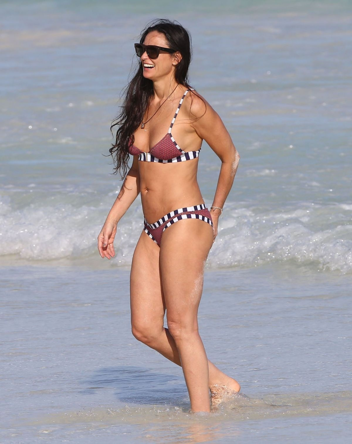 Demi Moore In Bikini On The Beach In Mexico Beach