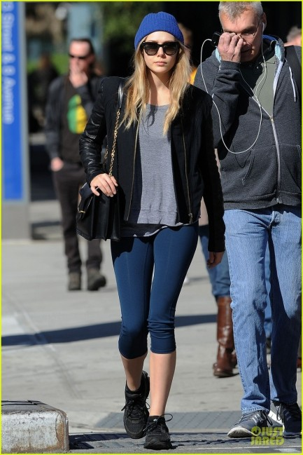 Celebrity Street Style Elizabeth Olsen Stays Fit Mary Kate Lands Lax Style