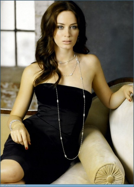 Eb Emily Blunt Hot Pic Movies