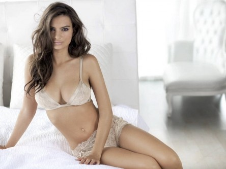 Emily Ratajkowski Princess Lingerie Wallpaper