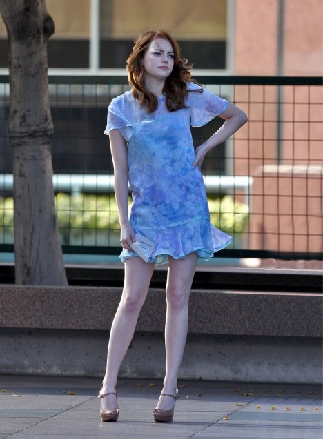 Emma Stone Shooting Commercial For Revlon Movies