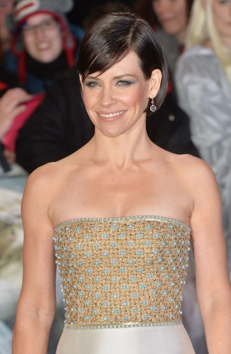 Evangeline Lilly At The Hobbit The Battle Of The Five Armies Premiere In London