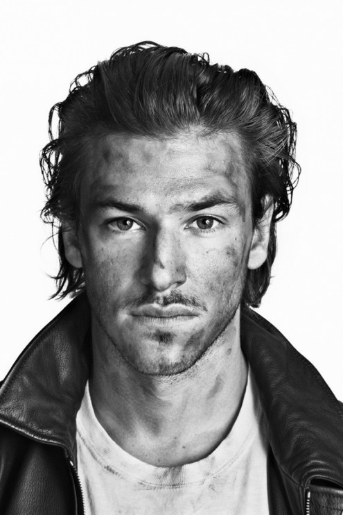 Full Gaspard Ulliel Body