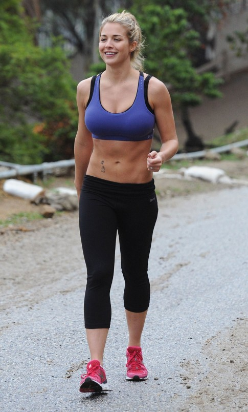 Gemma Atkinson In Tight Leggings And Lycra Top Training In Hollywood Hills