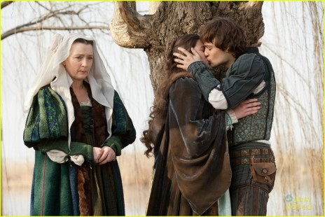 Douglas Booth And Hailee Steinfeldj Romeo Juliet Pek Romantikus Film Sorozat Info Magazin Tlplqru Romeo And Juliet