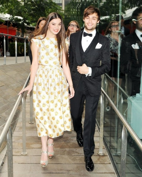 Hailee Steinfeld Attended Bash Douglas Booth And Douglas Booth