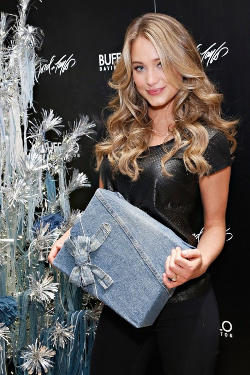 Hannah Davis Attends Buffalo David Bitton Event In New York December Hair