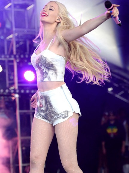 Iggy Azalea And Rita Ora Performance At Glastonbury