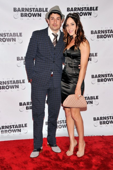 Jason Biggs His Wife Jenny Mollen Posed Friday Barnstable Brown Gala