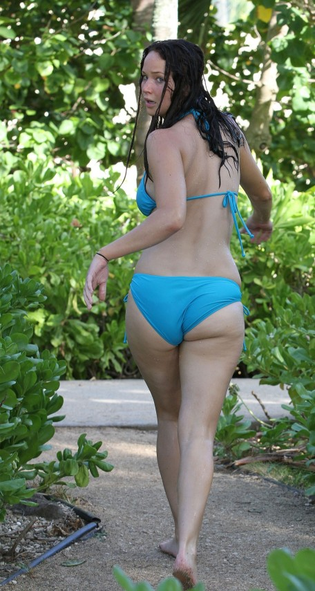 Jennifer Lawrence In Bikini On Beach In Hawaii Beach