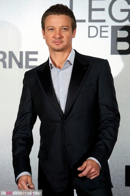 Jeremy Renner Brings The Bourne Legacy To Spain