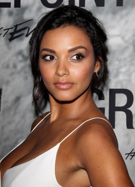 Jessica Lucas Posing At Gracepoint Screening In La Fashion