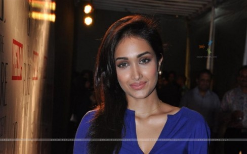 Jiah Khan At The Pure Concept Collection Without Makeup