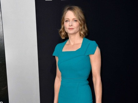 Jodie Foster Came Out In Her Speech At The Golden Globe Awards