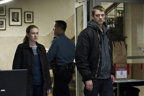 Picture Of Mireille Enos And Joel Kinnaman In The Killing Large Picture