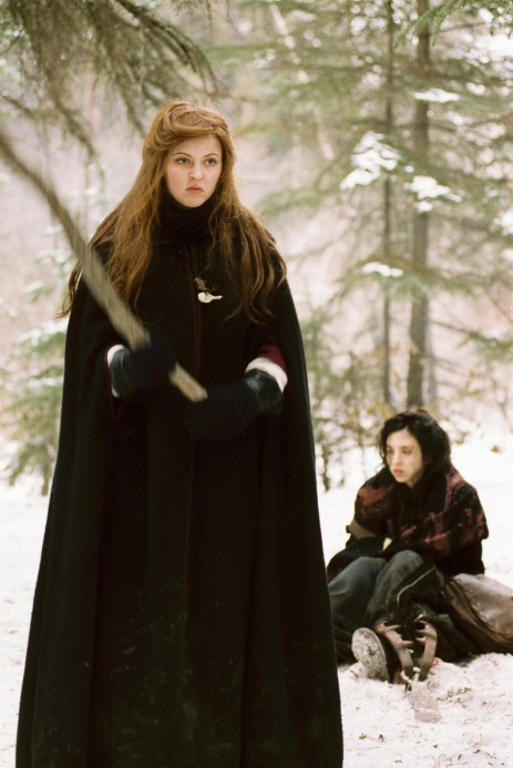 Picture Of Katharine Isabelle And Emily Perkins In Ginger Snaps Back The Beginning Large Picture