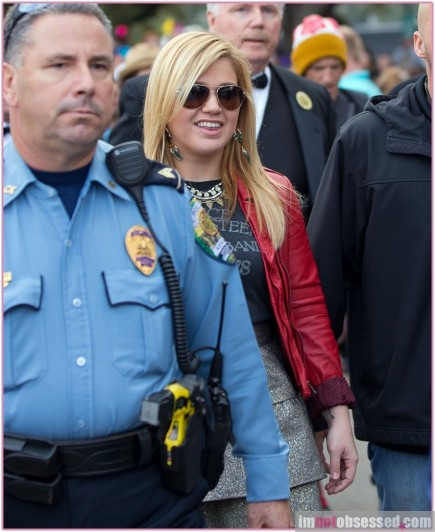 Kelly Clarkson New Look Kelly Clarkson Is The Grand Marshal At The Krewe Of Endymion Mardi